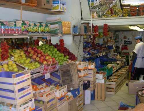 Romolo, il fruttivendolo che vende menunceddhre al posto delle zucchine