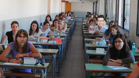 Antonio Conte sorpreso all'esame di maturità al Banzi