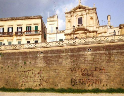 Vandali in azione, scritte pro Lega nell'anfiteatro di Lecce