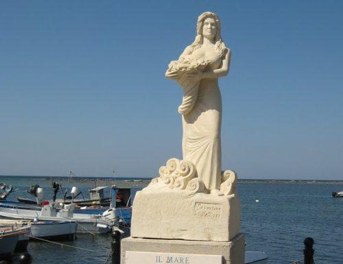 Porto Cesareo: La statua di Manuela Arcuri compie 12 anni. Al via i festeggiamenti!