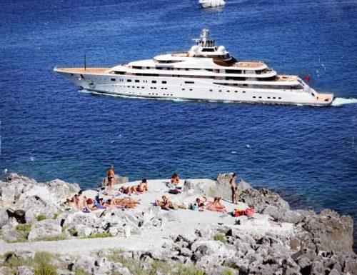 Castro come Montecarlo, arriva il mega yacht dello sceicco Dorcemui