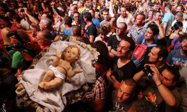 Anche il Gesù Bambino dell'Anfiteatro Romano di Lecce alla Notte della Taranta 2014
