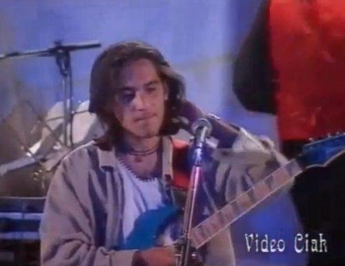 Giuliano Sangiorgi canta brano di Nek a Porto Cesareo e il Web si divide