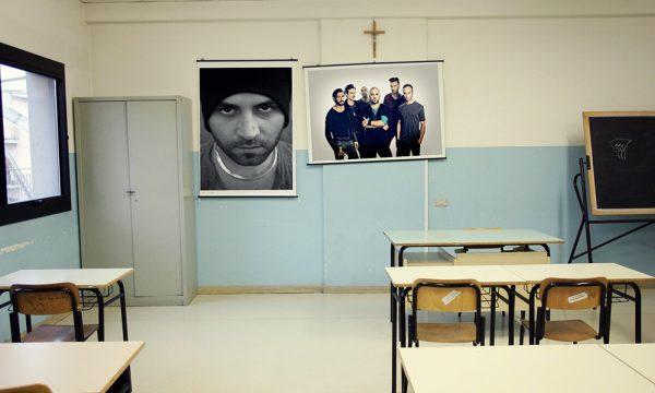Copertino: dal 5 dicembre obbligatorio appendere i poster dei Negramaro accanto al crocefisso nelle scuole