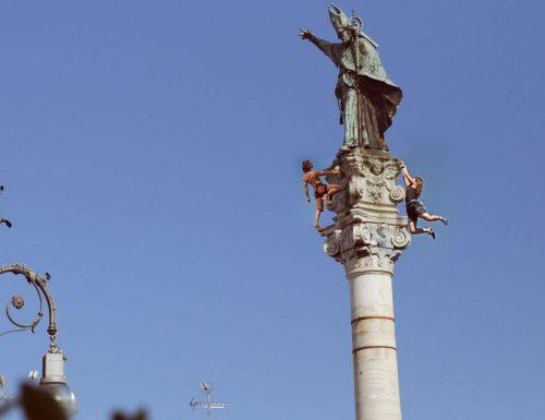 Freeclimbing in piazza Sant'Oronzo, l'impresa della coppia tedesca oltre il valore sportivo