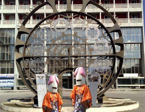 Due gemelli indonesiani vorrebbero acquistare lo stargate dei dieci comandamenti