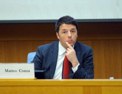 Grafica sbagliata durante il discorso e Renzi diventa Matteo Conza