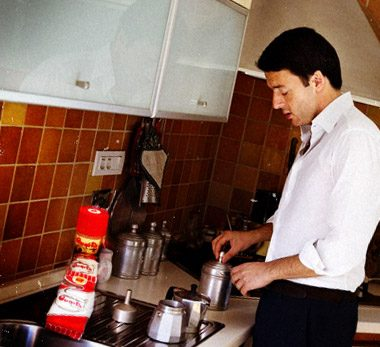 Renzi strizza l'occhio ai leccesi e su twitter fa colazione col caffè salentino