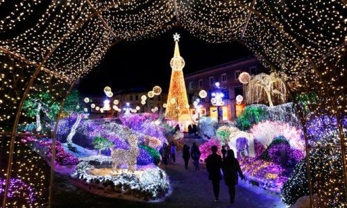 Natale 2014: le luci di Piazza Sant'Oronzo fanno sognare i leccesi