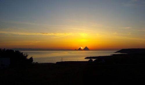 Sorpresa a Porto Badisco: all'alba si vedono le Piramidi d'Egitto