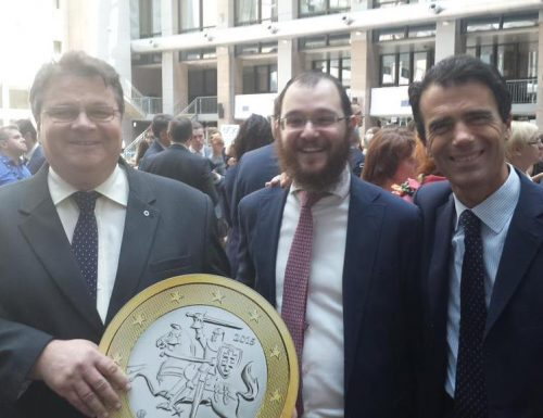 Monteroni di Lecce: con il 2015 arriva l'euro più grande contro furti e stereotipi della lira