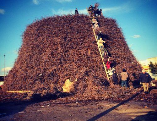 Twitter lancia l'hashtag della Fòcara 2015 sarà: #dumalufuecu
