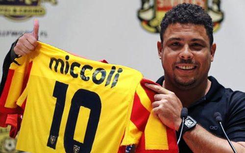 """Ronaldo dagli USA conferma: """"Mi piacerebbe far coppia con Miccoli"""". E il Lecce sogna il fenomeno."""