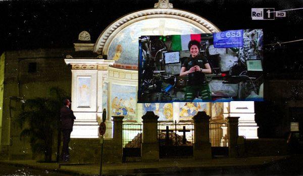 Il web smaschera Carlo Conti, l'intervento di AstroSamantha era registrato a Botrugno