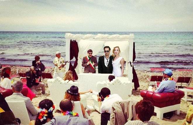 Matrimonio Spiaggia Gallipoli : Johnny depp e amber heard: il terzo matrimonio è nel salento