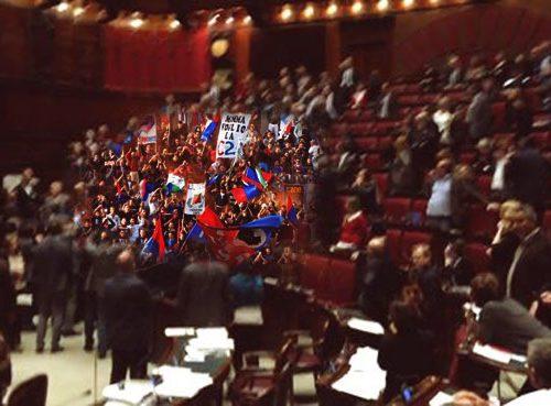 Dopo i disordini alla Camera, Vendola sostituisce i deputati di Sel con gli ultras del Casarano