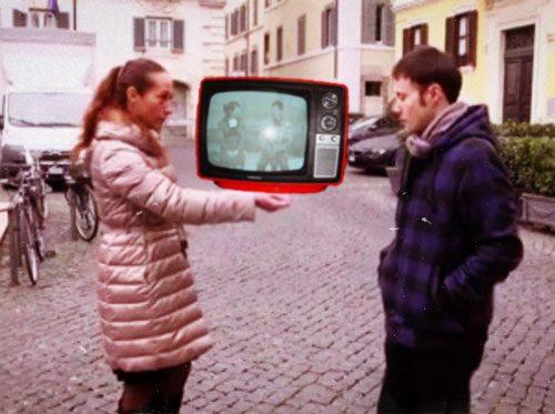 Lo spot del M5S sul ritorno alla tv in bianco e nero