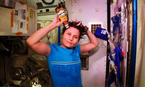 """Astrosamantha e lo shampo Ddhrecher: """"Così ripenso allu ndore dellu Salentu"""""""