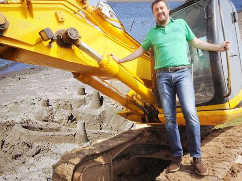 """Salvini shock: """"Radere al suolo i castelli di sabbia senza ..."""