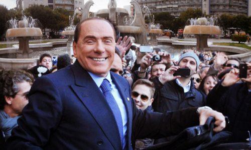 """Silvio Berlusconi a Lecce: """"Voglio conoscere Mammata"""""""
