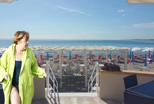 Angela Merkel pignora l'ombrellone di Tsipras a San Cataldo