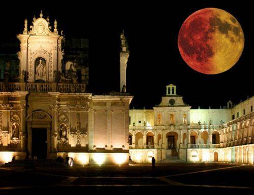 La notte della Luna giallurussa: spettacolo nel cielo in tutto il Salento