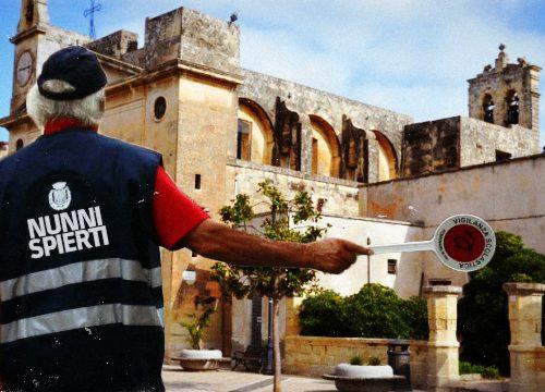Natale nel Salento: la sicurezza nei centri storici è nelle mani di un esercito di Nonni Spierti