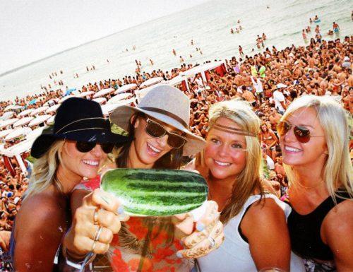 Gallipoli: La tradizione oltre al divertimento, in spiaggia si selfa con le menunceddhre