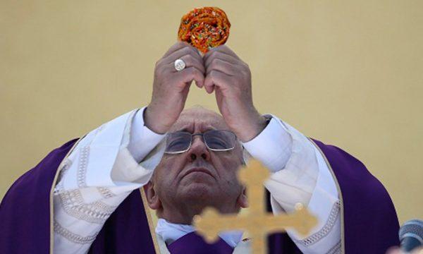 Il Giubileo parlerà salentino, ecco perchè Papa Francesco userà carteddhrate nell'eucarestia
