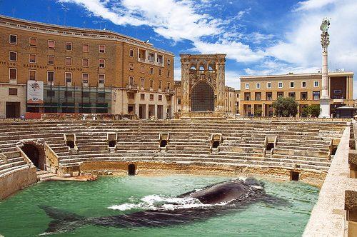 Presepe addio, dopo le polemiche a Lecce verrà sostituito dalla Balena Vegana