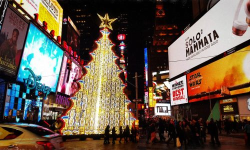 """""""In questa città non si fa un cazzo"""", l'albero delle luminarie passerà Natale a New York"""