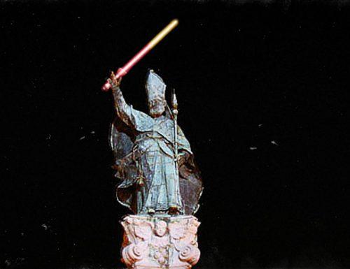 La spada laser giallurussa, l'omaggio di Sant'Oronzo a Star Wars