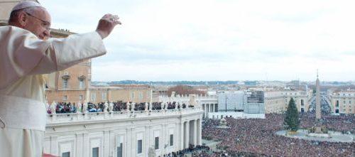 """Family day, anatema del Papa: """"La vera famigghia è salentina"""""""