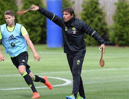 Conte come Pellè, dirige il primo allenamento al Chelsea con la cucchiara