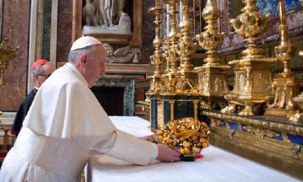 Si conclude il Giubileo della Misericordia, il Papa inaugura quello dei Purceddhruzzi