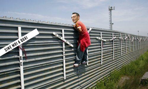 Trepuzzi contro Trump, costruiremo un muro con gli Stati Uniti