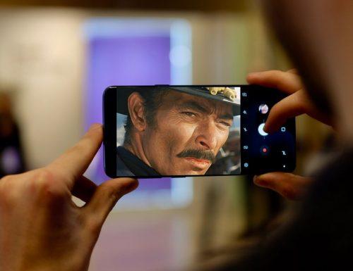 In arrivo il primo smartphone con camera ca te guarda fiaccu durante i selfie